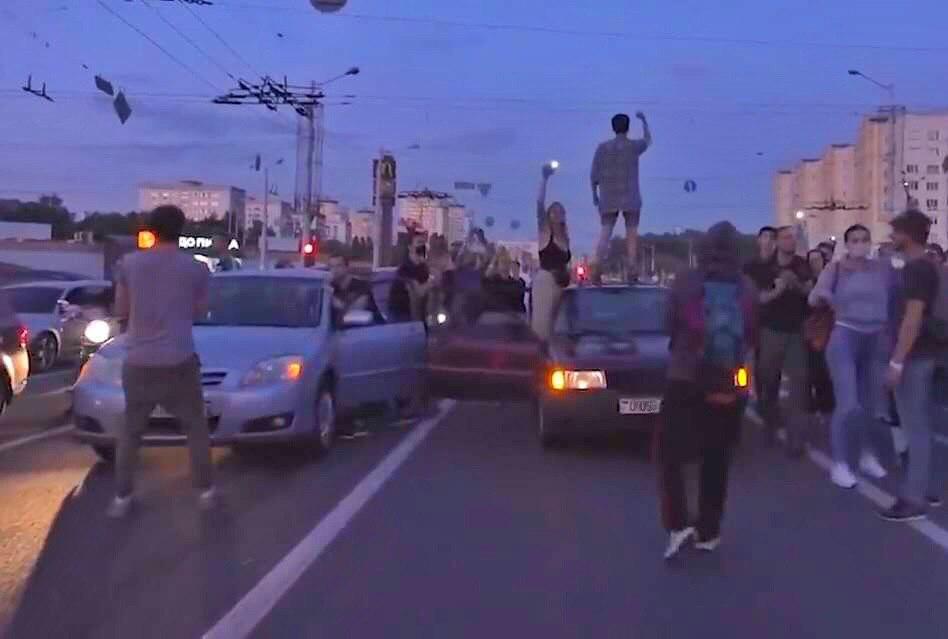 СК: за так называемые «пробки солидарности» водителям придётся ответить. Автомобиль могут изъять