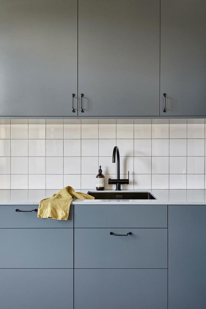 Шведская квартира с желто-синим декором || 01