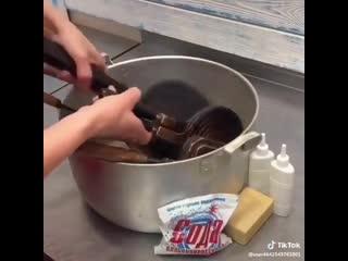 Вот как отмыть грязную посуду без лишних телодвижений.