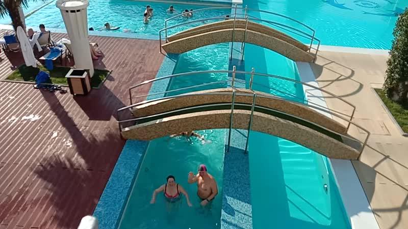 Бассейн с морской подогреваемой водой гранд Отель Жемчужина