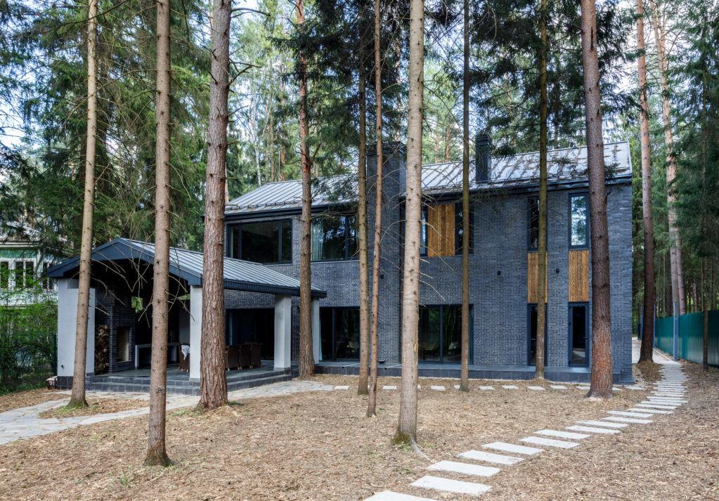 Дом в лесу, 300 м² от Елены Андреевой || 01