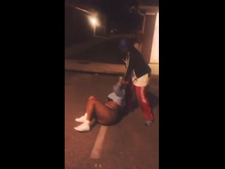 Girl fight in the hood!