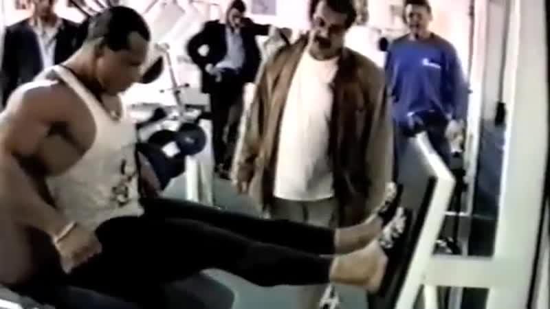 Mike Mentzer allena Enrico Dellolio allenamento gambe