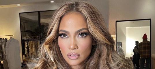 Здоровые блестящие локоны — главный тренд 2021 года по версии парикмахера Дженнифер Лопес