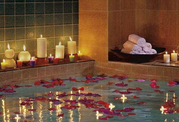 свечи и ванна