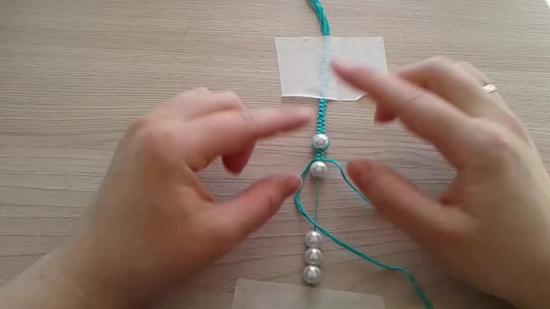 Занятие на тему: Плетение из нитей (Программа Мастерица 7-10 лет))