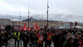 Marseille - Hier manifestation contre la précarité et les licenciements et pour les services publics