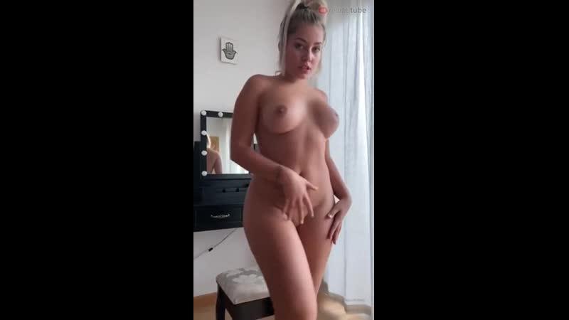 Paola Medina  nackt