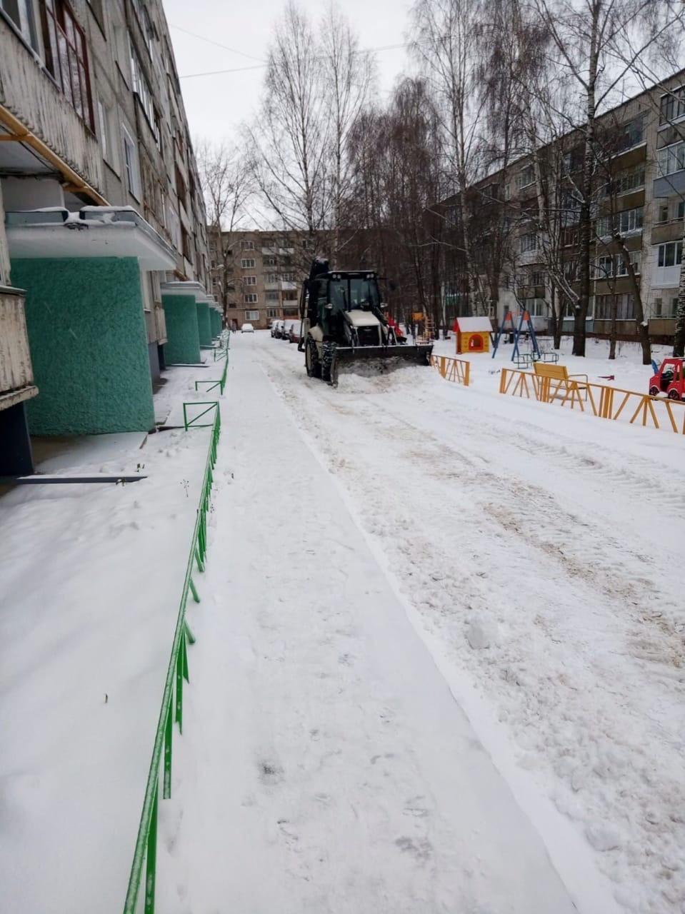 Механизированная уборка улица Московская 173 и установка