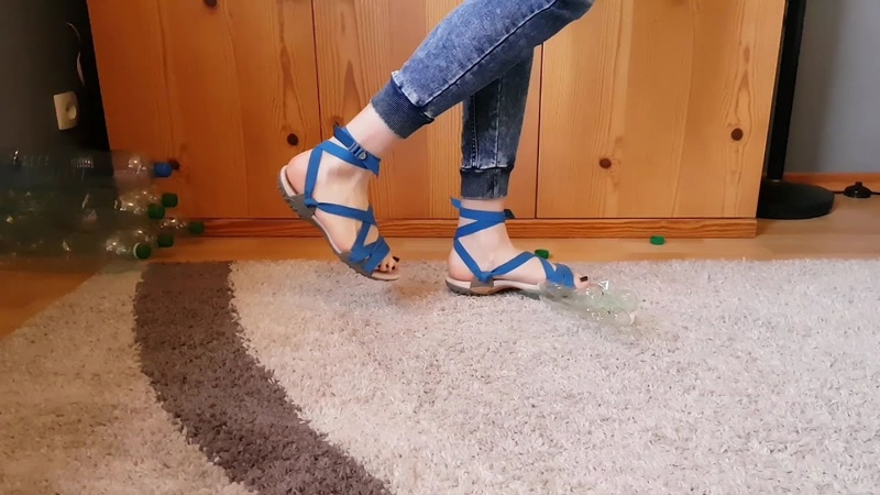 Crush Plastic bootles with my blue Quechua Sandals crush fetish ASMR Recycling CRUSHFETISH_8989