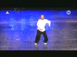 мурашки по коже :) Восходящая звезда польской сцены - Kamil Kucharzewski. Этот парень исполняет невероятный танец!