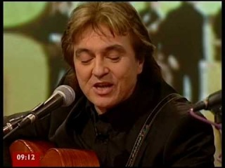 The Hollies - Bus Stop live 2010