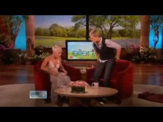 "Ellen DeGeneres interviews Pink and they perfom ""So What"" together"