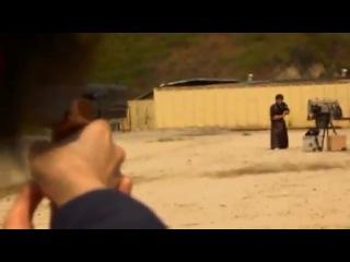 Японский самурай разрубает на лету пулю