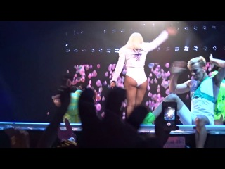 Lady Gaga - Poker Face & Telephone (Live  Melbourne) (Day 2)