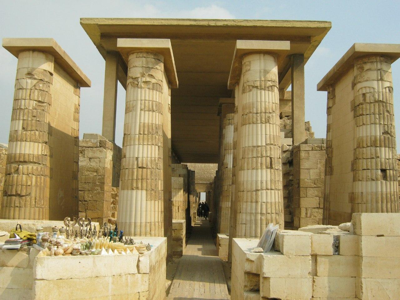 Древнеегипетский храм пирамид в Саккаре