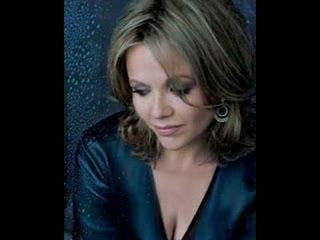 Renne Fleming sings Beau Soir