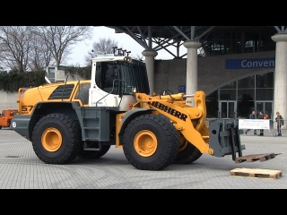 The world's biggest remote controlled rc Wheel Loader FPV setup