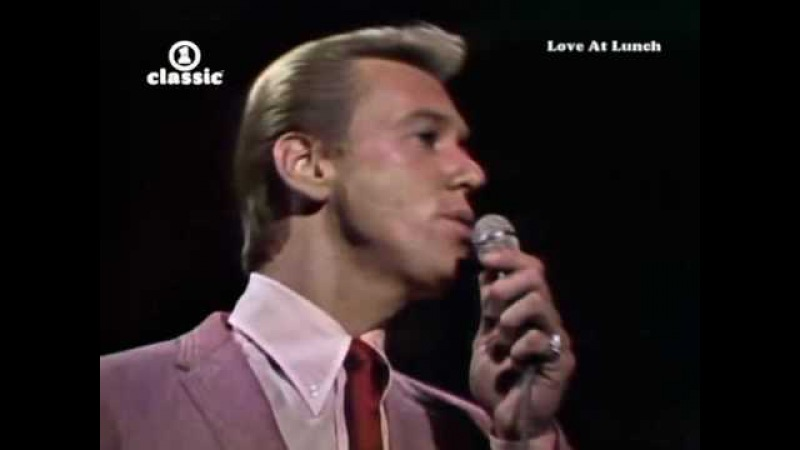 Bobby Hatfield — Unchained Melody
