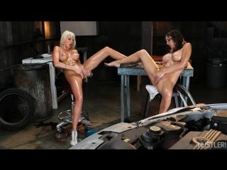 Rikki Six, Kiera King - Hu$tlers Girl On Girl Oil