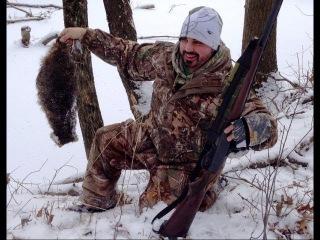 Бобр убивает енота в логове (CRAZY Beaver Kills Raccoon in a Bank Den Lodge Fight)