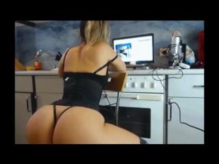 Mandy kay vs sexydea _ ultimate twerking battle8591