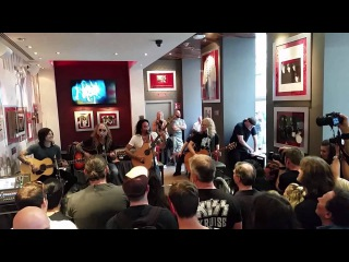The Dead Daisies - 2015-06-05  Hard Rock Cafe Vienna