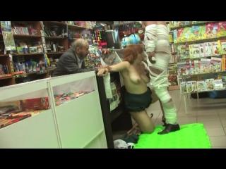 kinostudiya-klubnichka-filmi-s-uchastiem-sera-devida