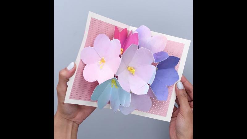 Открытки фильма, раскрывающая открытка с цветами
