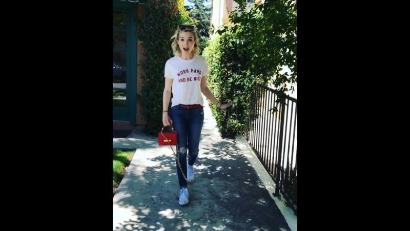 💪work hard and be nice 😊👍 shirt @suburbanriot jeans @motherdenim sneaks @converse bag custom♥️mini by @onna ehrlich