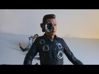 Toy Spot - Movie Maniacs Terminator 2 T-1000