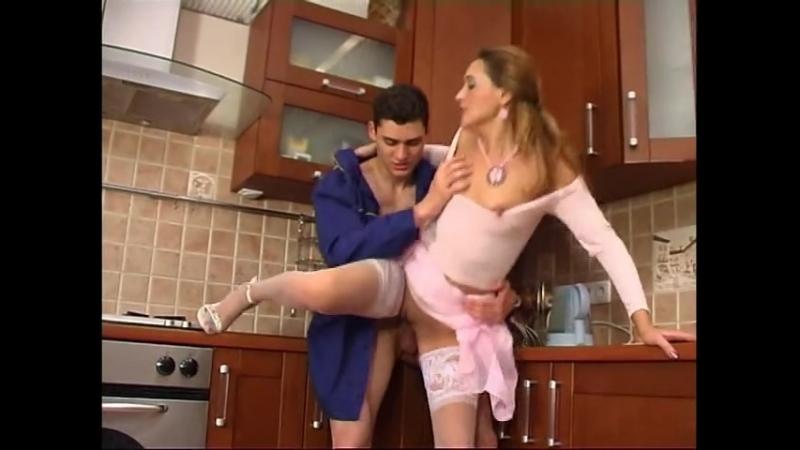 video-domohozyayka-soblaznila-nachalnika-seks-dikih-lyudey-v-dzhunglyah