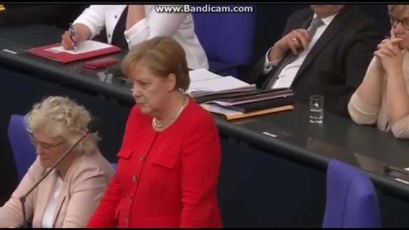 Göring Eckardt stellt schlaue Fragen an Merkel