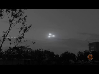Triangular Shaped UFO with Glowing Lights - UFO Sightings 2017 - UFOs Caught On Tape