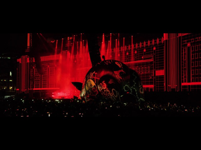 Roger Waters Pigs Three Different Ones