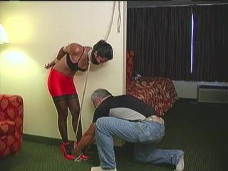 Drea_hotel_bondage_predicament