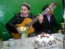 Тувинец Горловое пение Офигенное горловое пение и игра на гитаре