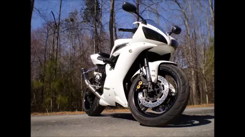 White 2003 Yamaha R1 Danmoto slide show