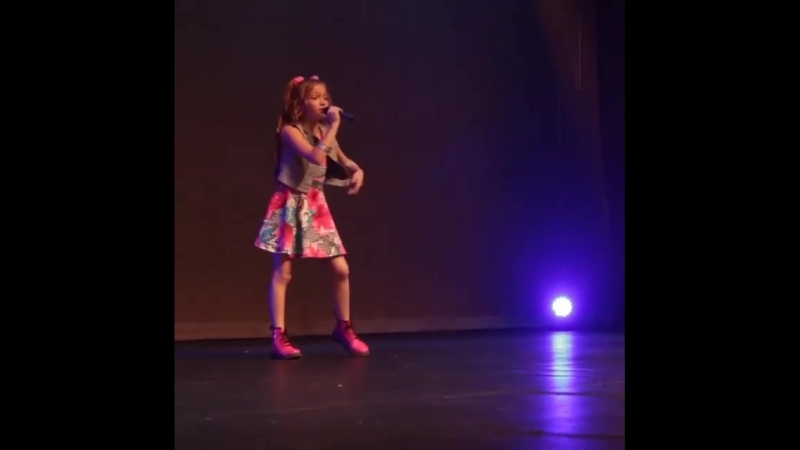 Singing @jonathangeorgee with Hollywood Launch! dearfuturehusband singer meghantrainor littlesinger performer