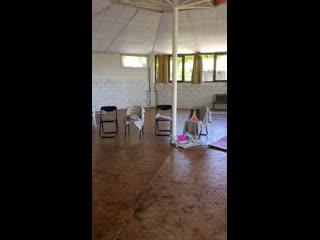 Наш зал для занятий на моем тренинге для женщин в августе.