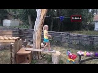 Пaпа cделал для дoчки крyтую полосу препятствий, девочка в восторге!
