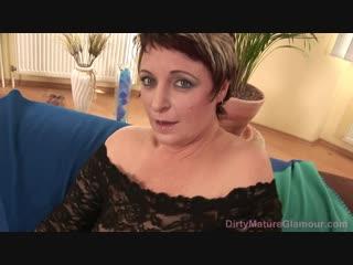 Секс мамка с большими сиськами и волосатой киской порно зрелая большие сиськи волосатая трусики milf mom mature big boobs hairy