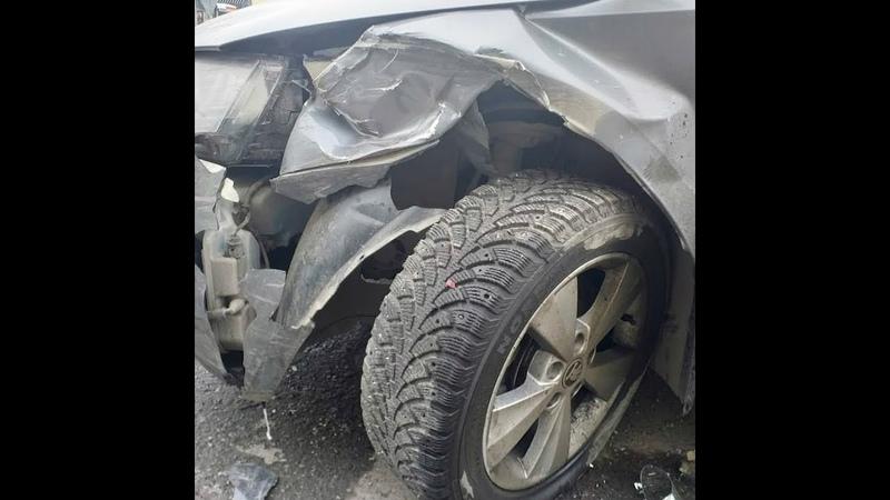 В Екатеринбурге водитель Subaru сбежал после ДТП | E1.ru