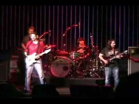 PAUL GILBERT, JOHN PETRUCCI JOE SATRIANI G3 - Foxy Lady Purple Haze