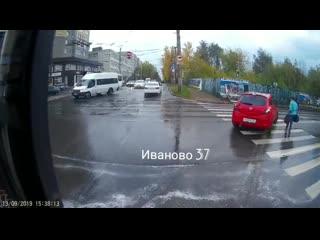 Автохамство. Иваново, перекрёсток улиц Кузнецова и Жарова.