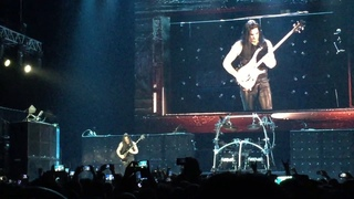 Manowar 2019. Joey DeMaio Bass Solo - Sting Of The Bumblebee + Warriors Of The World.