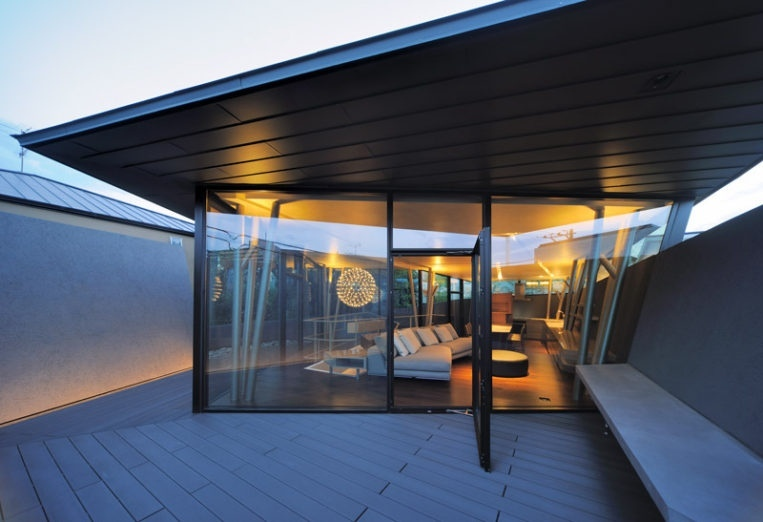 Геометричный дом в Токио