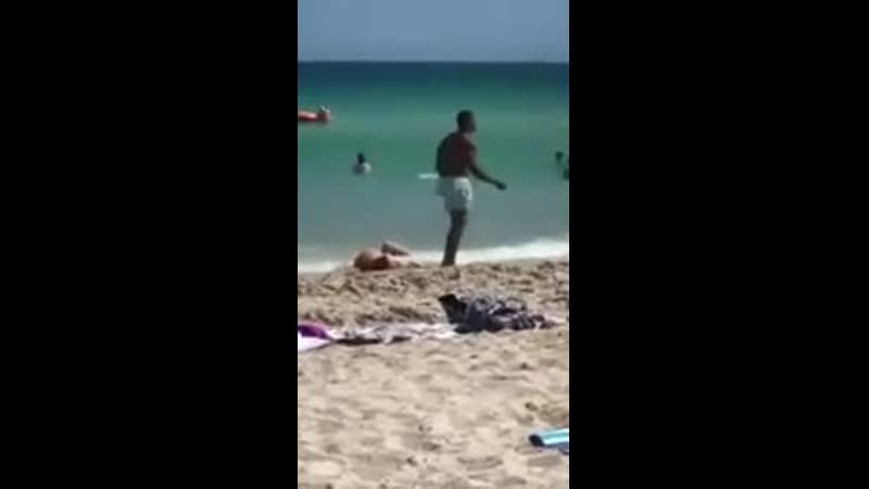 Когда тебе дали второй шанс хорошее настроение пляж нудисты вода море океан отдых отдыхающие песок любительское видео