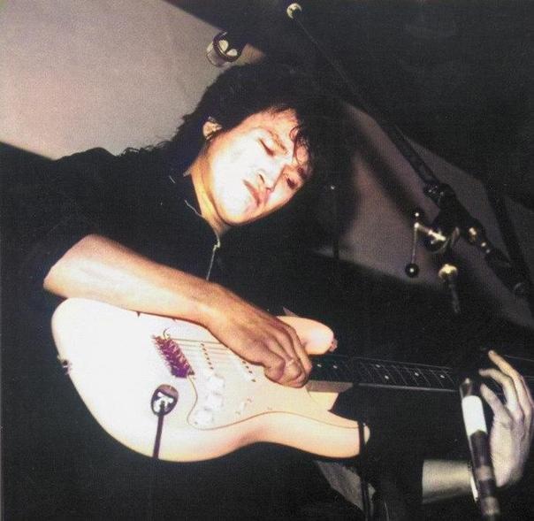 собственной крепости гитара виктора цоя фото луначарского чужды