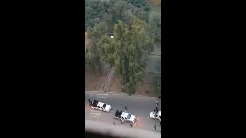 Совершившие нападение на протестующих на площади Халяни неизвестные лица отступили в сторону одной из гостиниц Зел Зоны Багдада